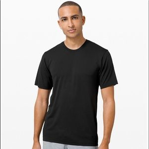 Lululemon L Black Metal Vent Breathe Short Sleeve
